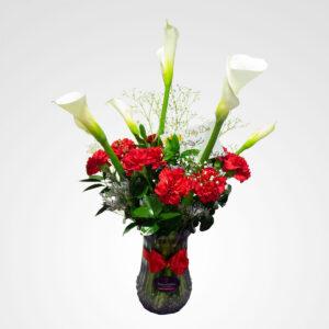 arreglo en florero elegancia cartuchos y claveles floreria bogota