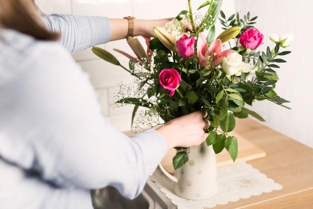 7 tips de cuidado de flores en florero.