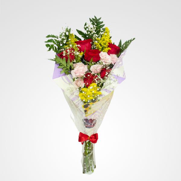 ramo de rosas y mini rosas enamorate floreria