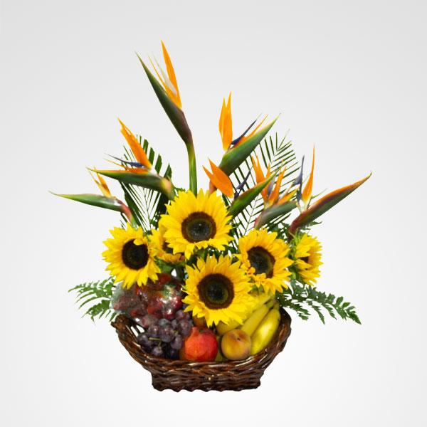 arreglo de frutas y flores tropifru floreria bogota